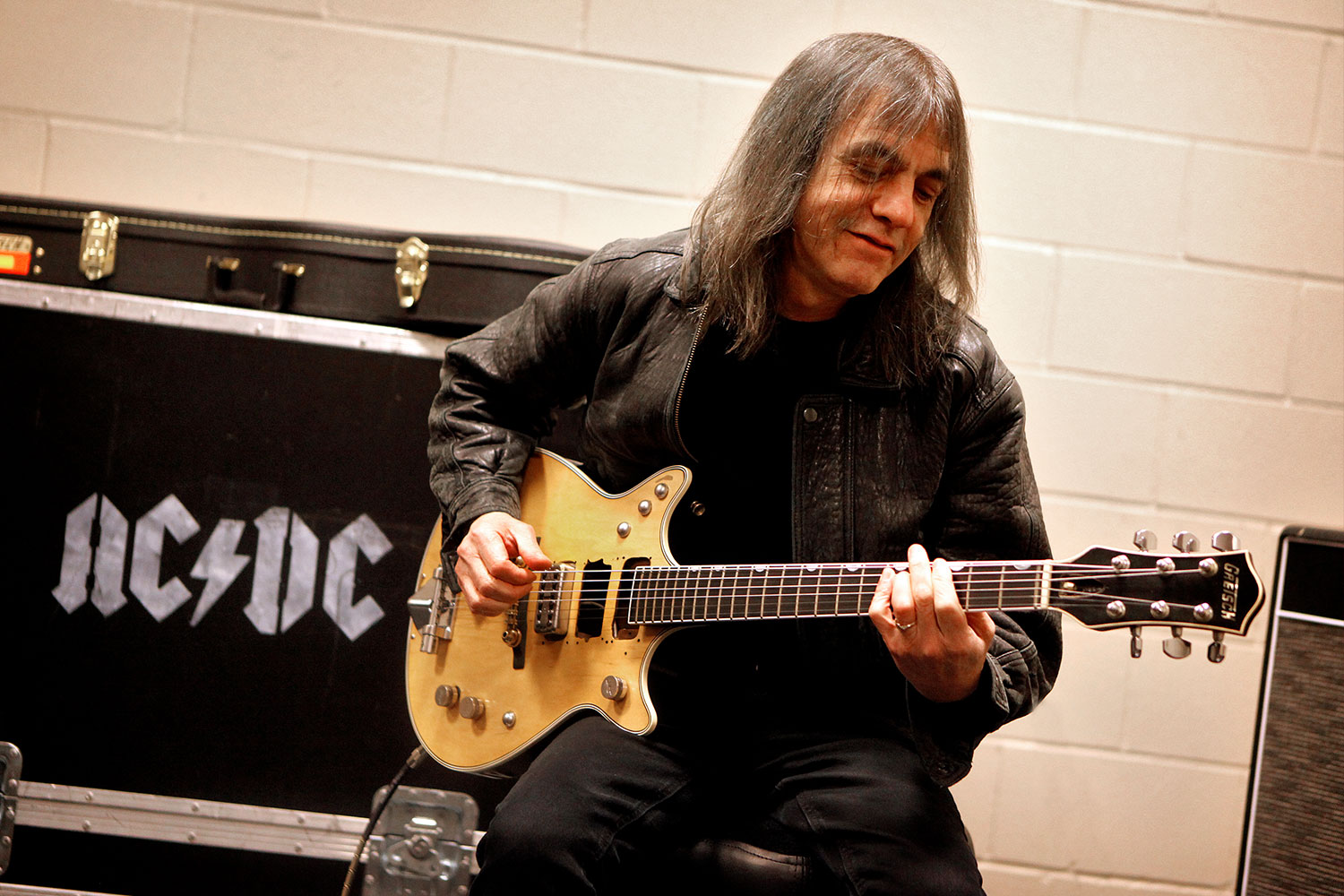 AC/DC Guitarist Malcolm Young Laid to Rest in Sydney